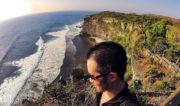 Uluwatu Temple Cliff in Bali, Indonesia // Vinjatek