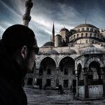 The Blue Mosque in Istanbul, Turkey // Vagabonding - VINJABOND