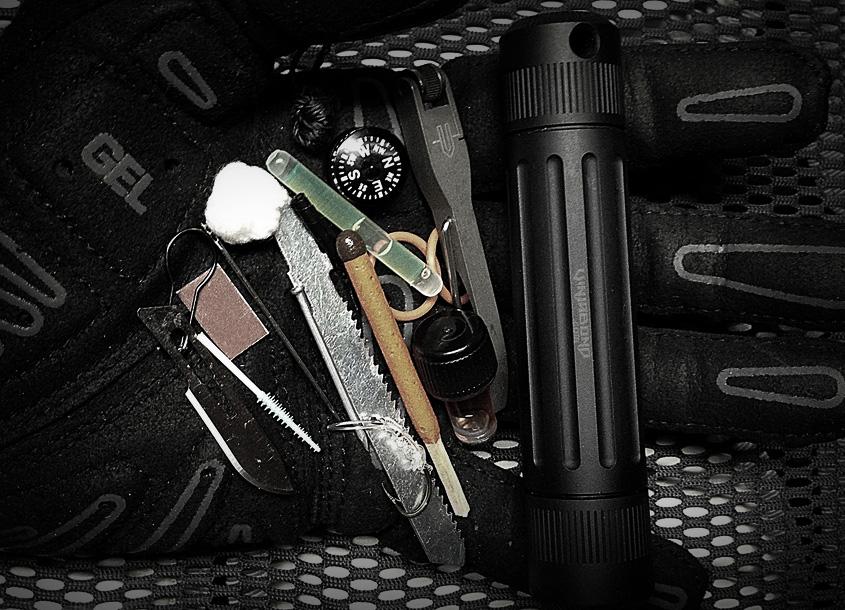 Mini Wilderness Survival Kit / Life Capsule Omega - VINJABOND