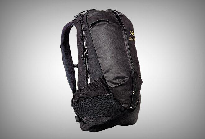 Arc'teryx Arro 22 Backpack - Vagabonding Travel Gear - VINJABOND