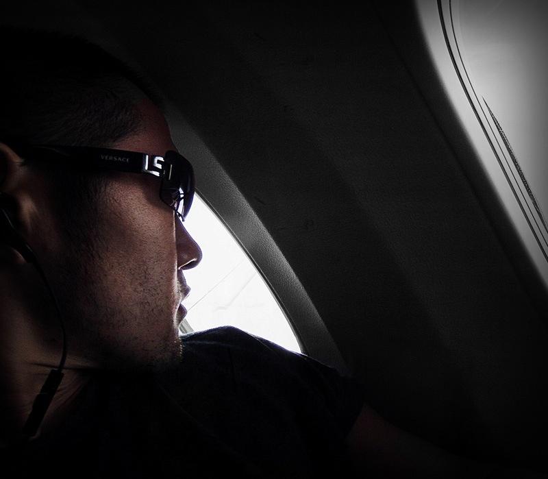 Selfie During a Flight // VINJABOND