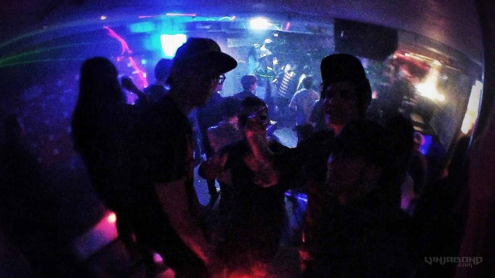 - Dancing on Stage at Club Papa Gorilla in Hongdae - VINJABOND