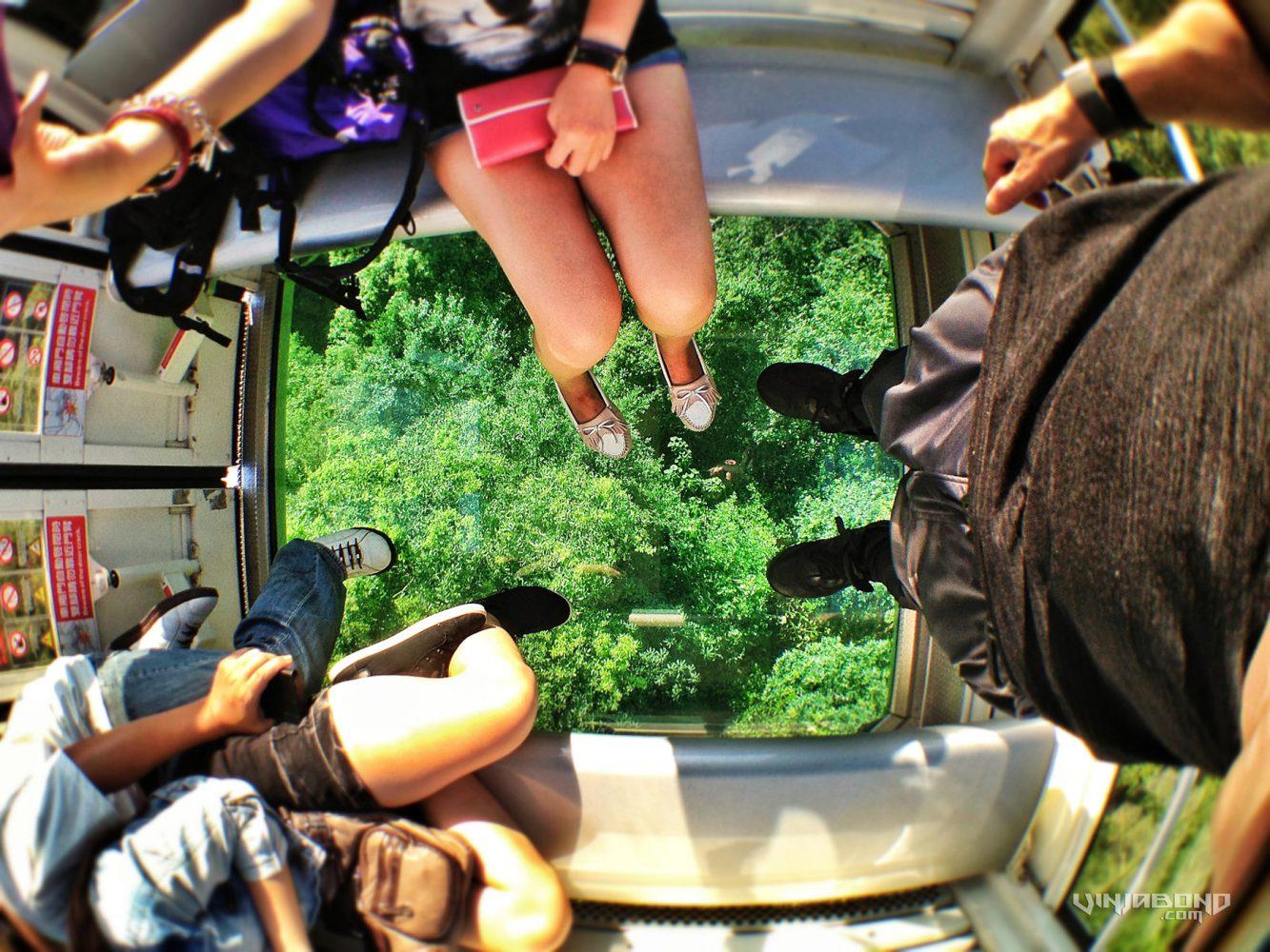 - Riding The Crystal Cabin of The Maokong Gondola - VINJABOND