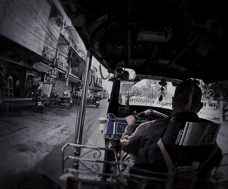 PHOTO: POV Riding a Tuk-Tuk in Chiang Mai /// Vinjabond