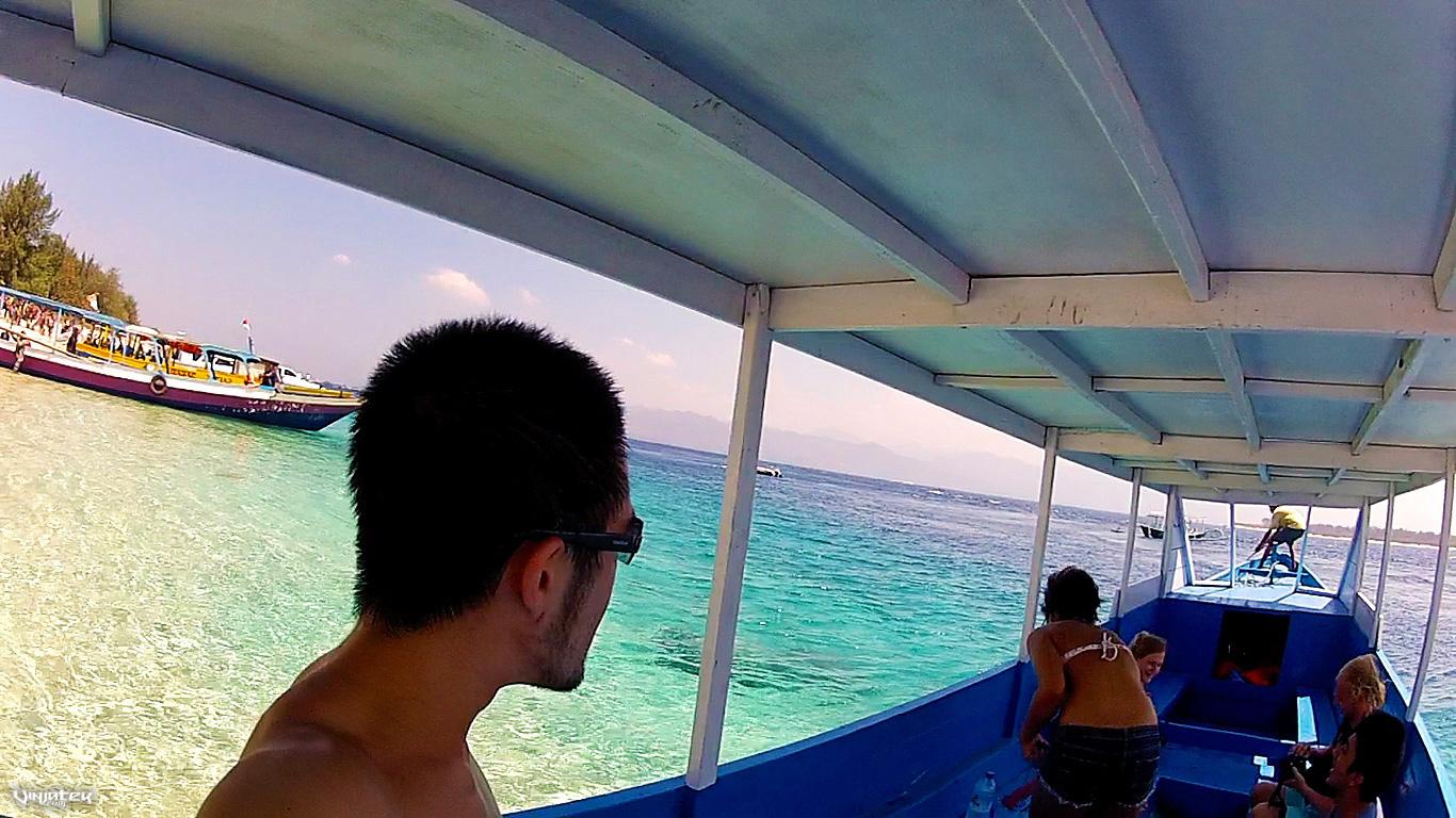 Longboat Ride at The Gili Islands in Indonesia // Vinjatek