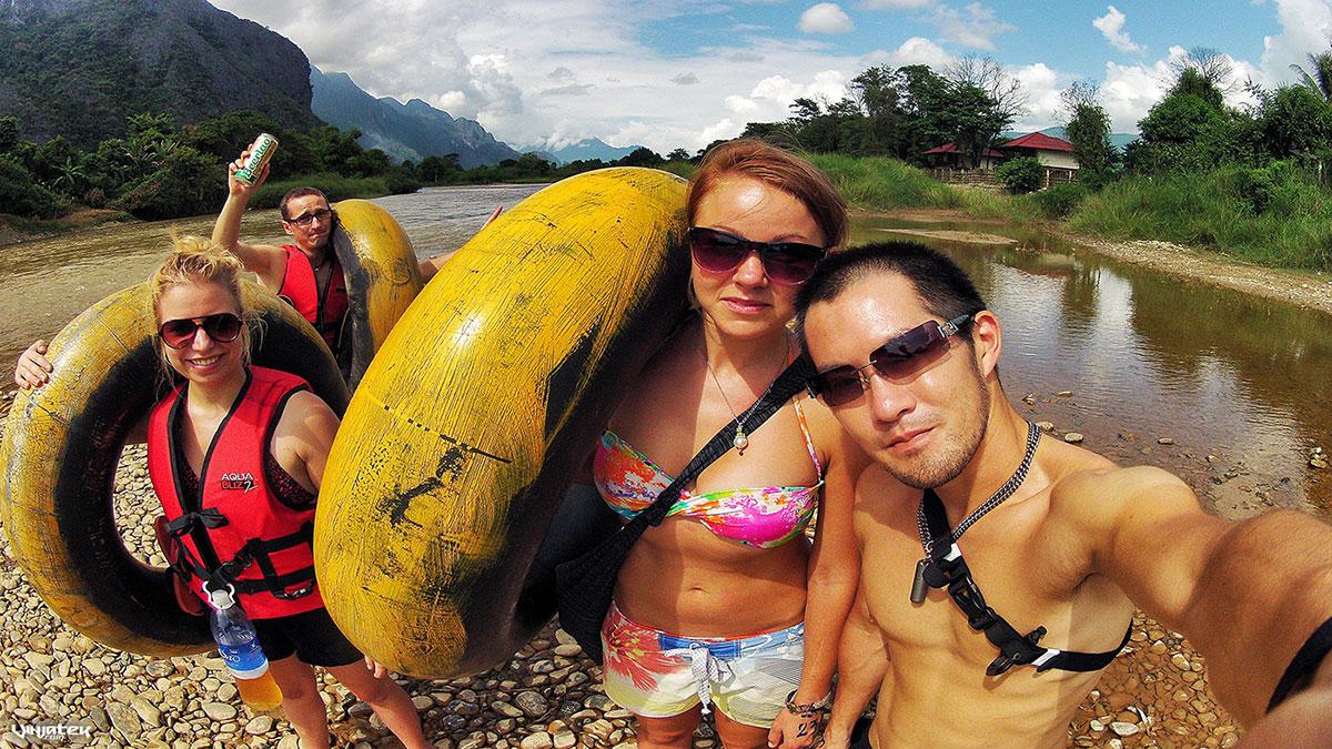 Tubing in Vang Vieng, Laos /// Vinjatek