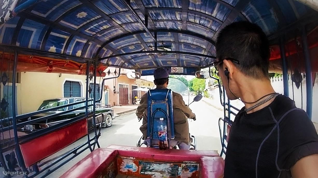 A Lonely Tuk-Tuk Ride in Luang Prabang // Vinjatek