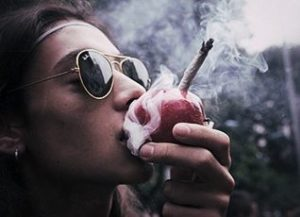 Buy and Smoke Marijuana in America /// Illegal Activities