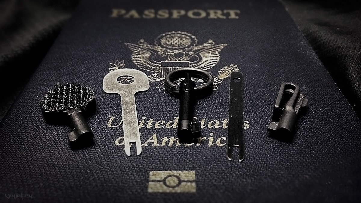 Handcuff Keys for World Travel /// Vinjatek