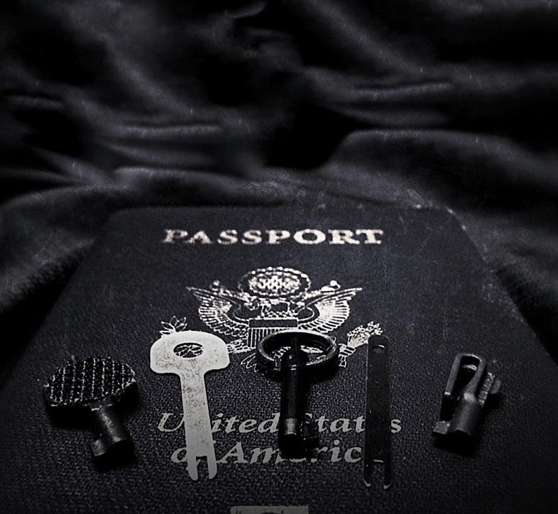 Handcuff Keys for Travel /// Vinjabond