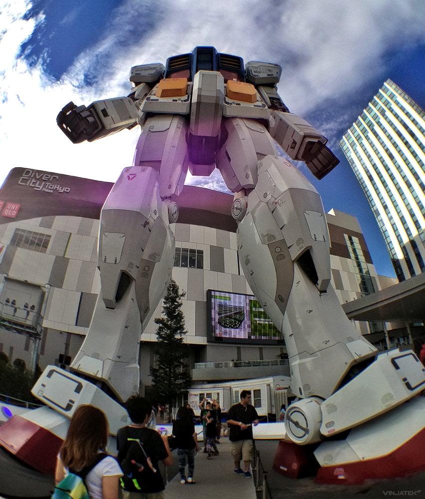 - Life Size Gundam Robot Statue Front /// Vinjatek
