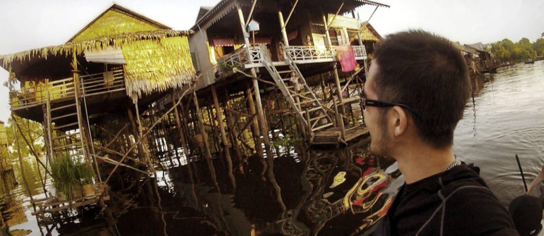 On a Boat at the Floating Village of Siem Reap, Cambodia // Vinjatek