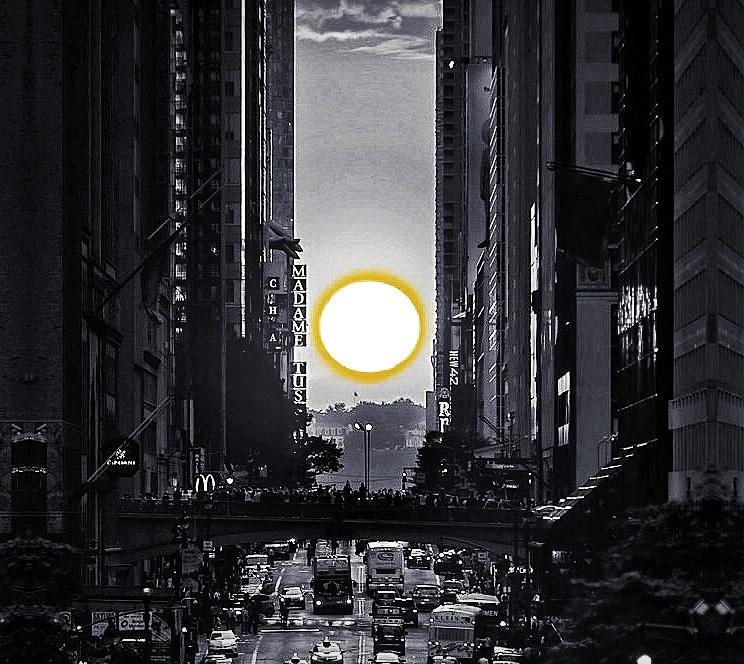 Before I Die... witness a Manhattanhenge sunset /// Vinjabond