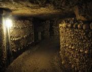 - Paris Catacombs Tunnel -