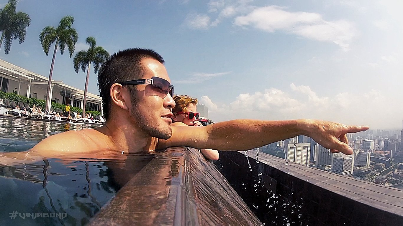 Marina Bay Sands Infinity Pool in Singapore /// Vinjabond