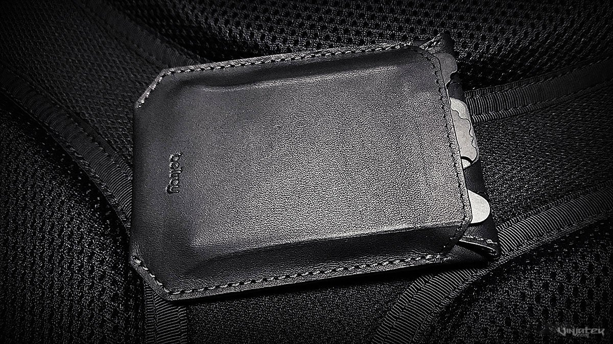 - Elements Sleeve by Bellroy -