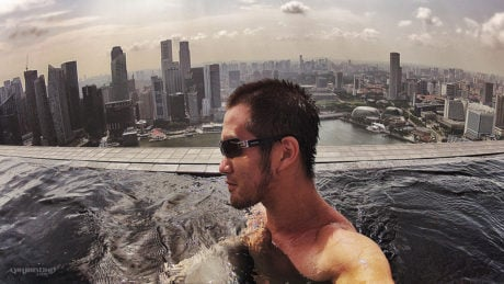 MARINA BAY SANDS INFINITY POOL IN SINGAPORE /// VAGABONDING