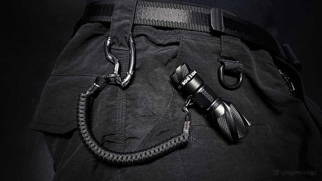 EDC Pocket Tether // Flashlight