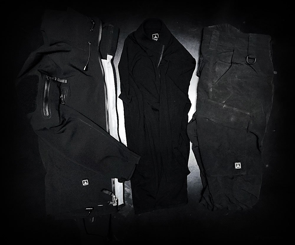 Vagabonding Packing List /// The Uniform