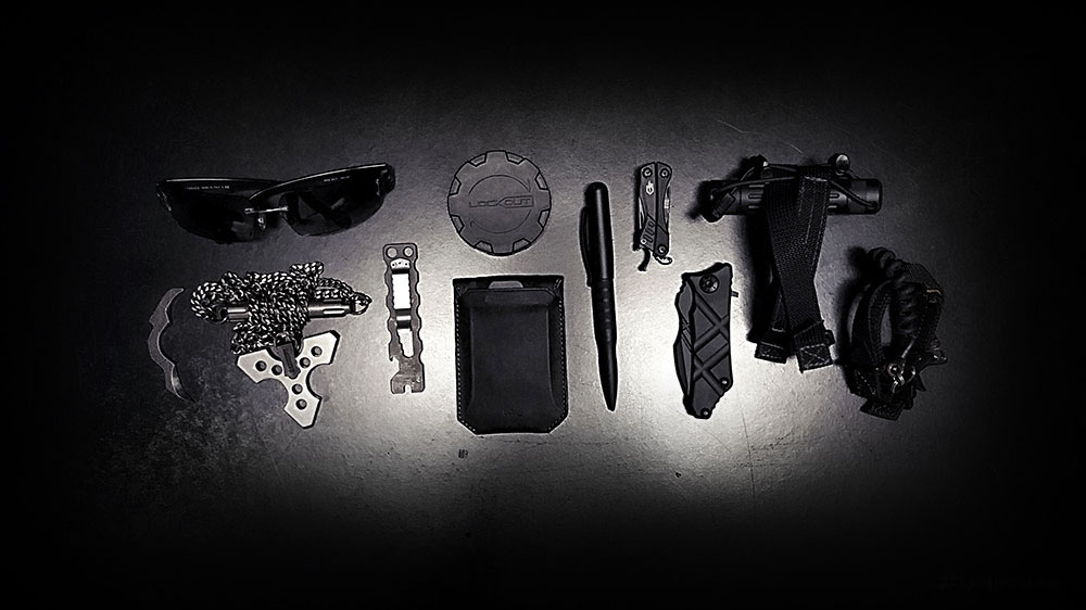 Vagabonding Packing List /// The EDC