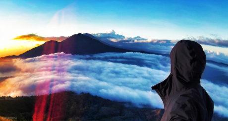 Mount Batur w/ TAD Raptor Hoodie /// Vinjatek