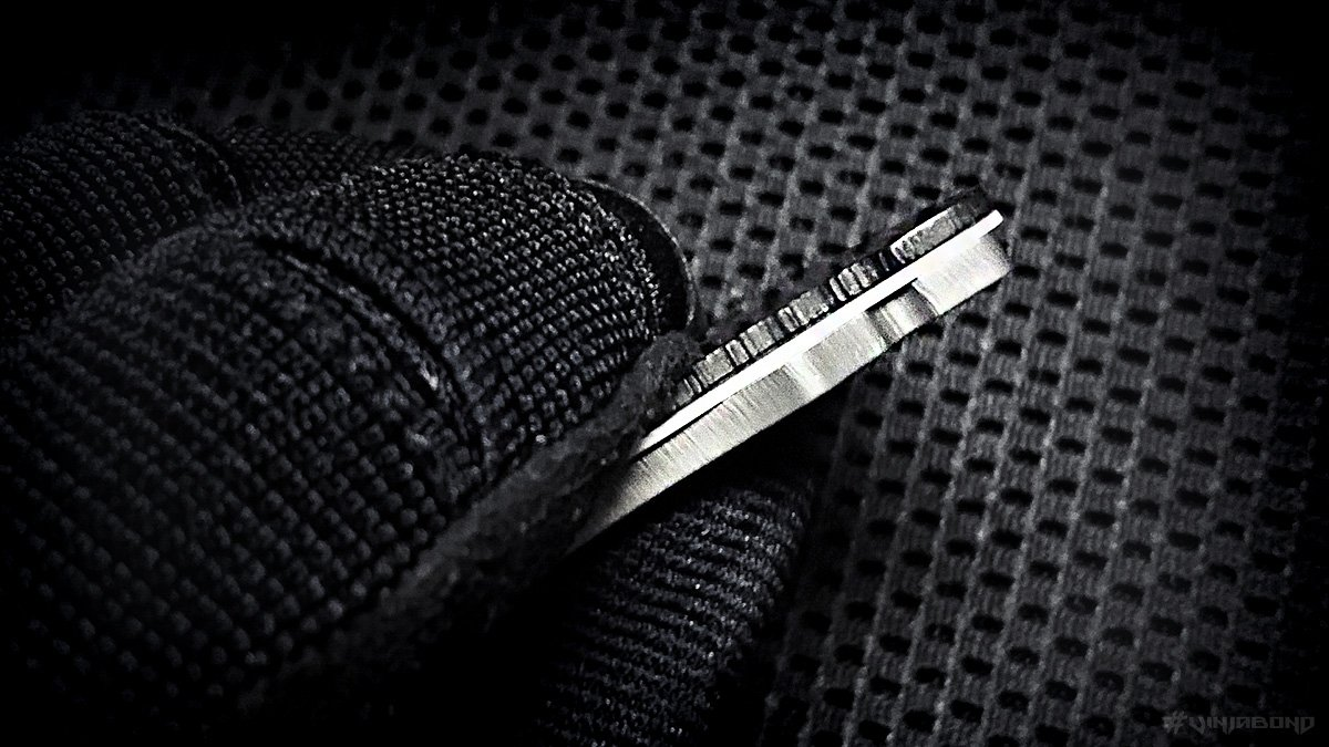 Microtech Assailant Credit Card Knife Thickness /// VINJABOND