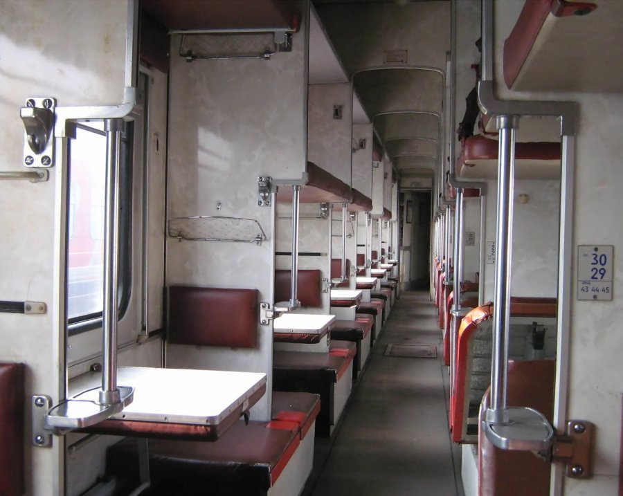 Trans-Siberian Railway Fourth Class Seats /// VINJABOND