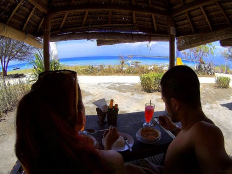 A typical lunch in paradise on Gili Meno Island, Indonesia at Ya Ya Warung Restaurant /// Vinjatek