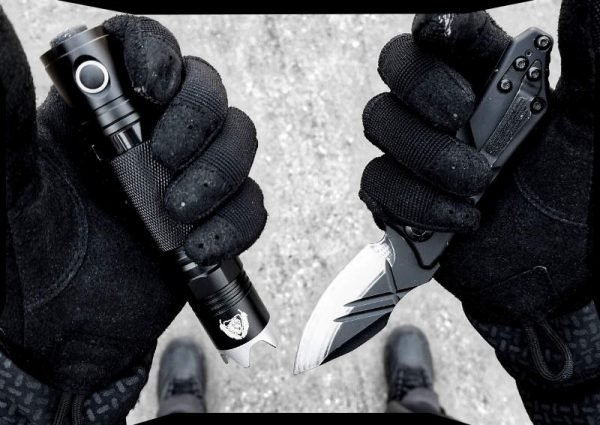 Vagabonding Covert Operative Knife and Light POV EDC /// Vinjatek