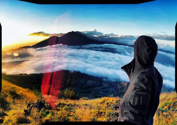 Vagabonding Covert Opertive at Mount Batur Volcano, Bali, Indonesia /// Vinjatek