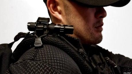 Gear Tactics: Backpack Strap Shoulder Flashlight /// Vinjatek