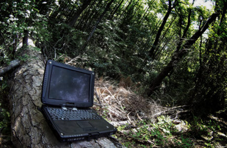 Black Cobra Panasonic Toughbook CF-19 in The Jungle /// Vinjatek