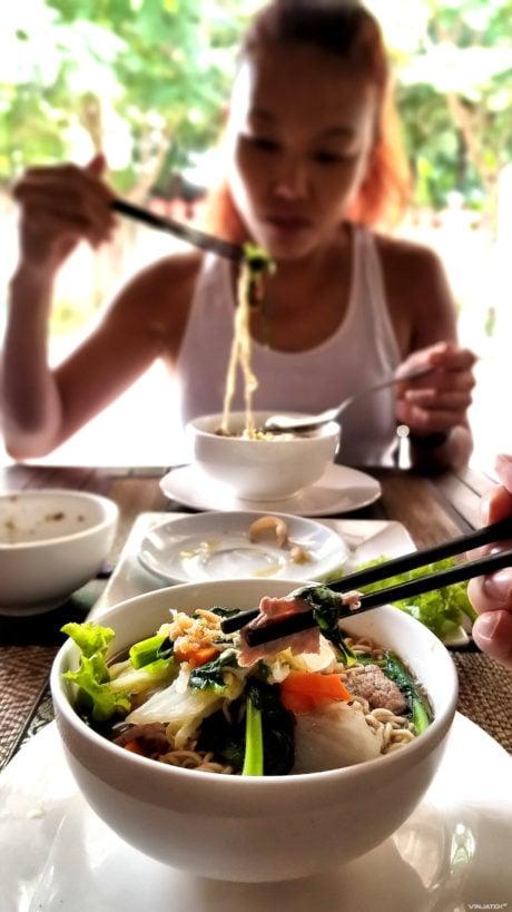 Noodle Soup Lunch at Siem Reap, Cambodia /// Vinjatek