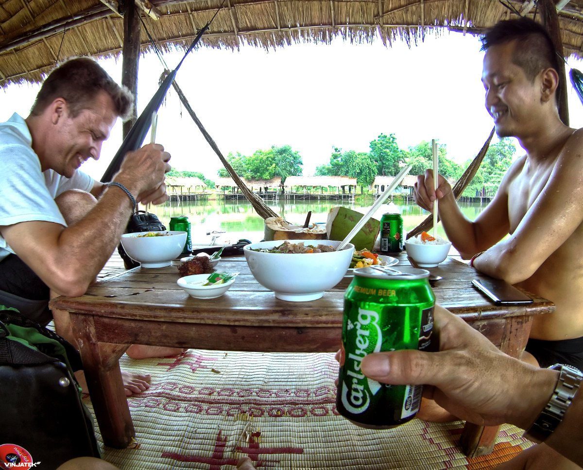 Lunch at a Lake Restaurant in Battambang, Cambodia /// Vinjatek