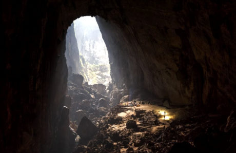 Backpacking Son Doon Cave Entrance in Vietnam /// Vinjatek