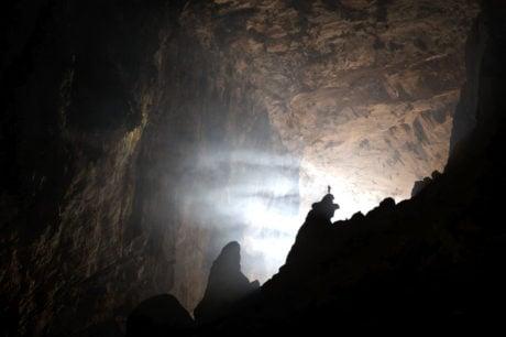Wallpaper Son Doon Cave in Vietnam /// Vinjatek