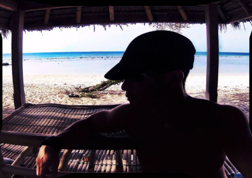 Covert Operative Vagabonding Method /// Bungalow at Gili Island, Indonesia /// Vinjatek