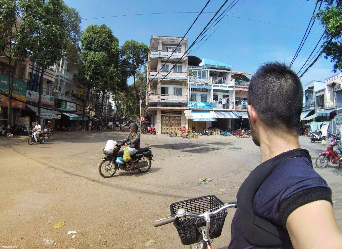 Biking in Can Tho, Vietnam /// Vinjatek