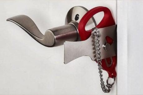 Addalock Portable Backup Door Lock /// The Gear List