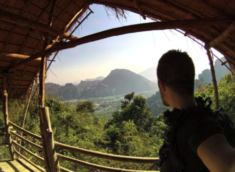 Hiking Vang Vieng Mountain in Laos /// Vinjatek