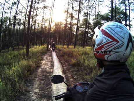 Riding a Motorcycle Through Dalat, Vietnam /// Vinjatek