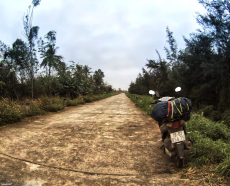 Cross Country Motorcycle Journey Through Vietnam /// Vinjatek