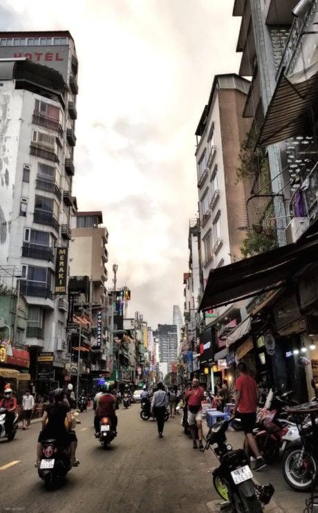 Tradecraft and Urban Survival in Saigon /// Vinjatek