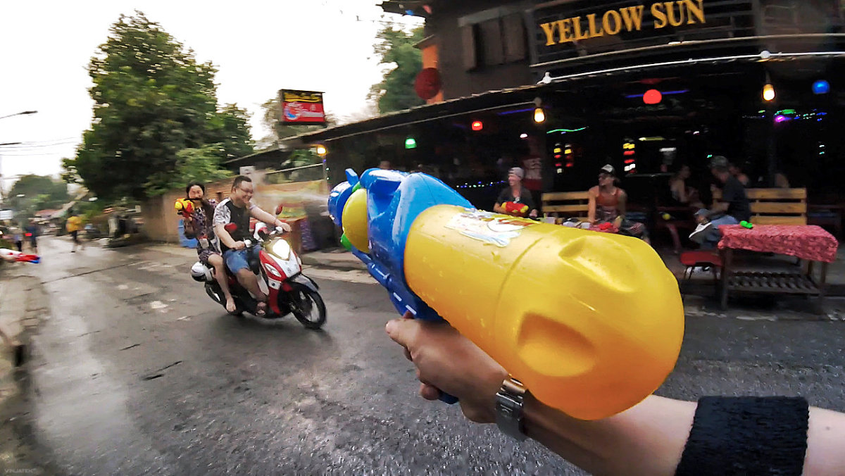Songkran Festival Water Gun Fight on The Streets of Pai, Thailand /// Vinjatek