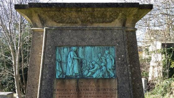 Frederick William Robertson Tomb /// Vinjatek